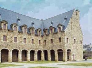 ancien-couvent-des-urbanistes-fougeres